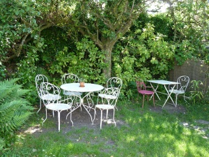 garden-furniture-242650_1280