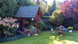 garden-1123317_1280